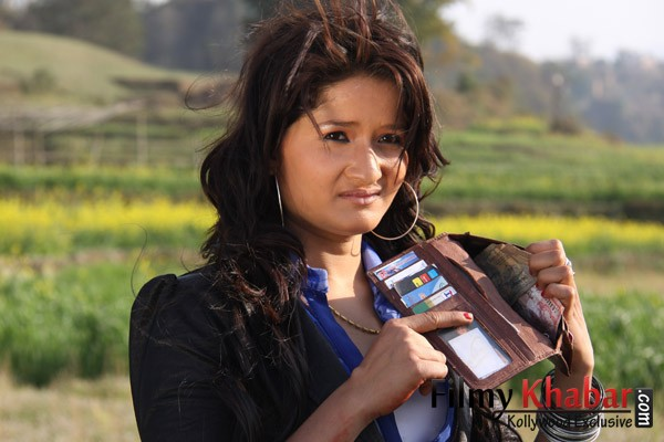 WOW HOT Deepika Padukone Latest Hot Wardrobe Malfunction ...