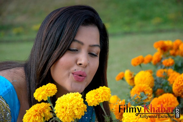 Rekha Thapa :: Lanka_2nd gallery :: Picture :: FilmyKhabar ...  Nepali Movie Song By Rekha Thapa